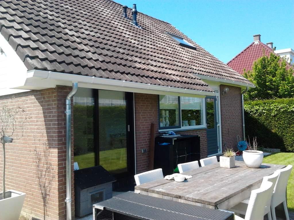 huis aluminium dakgoot wit afvoer zink 1